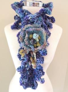 Flora Crochet Chunky scarf