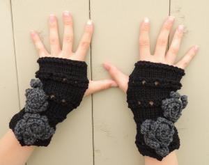 Rose Onie Fingerless Gloves Black Grey