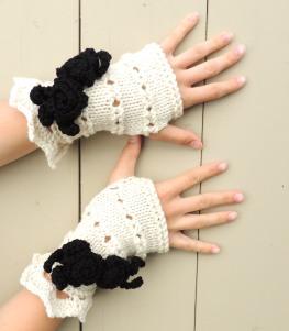 Rose Onie Fingerless Gloves Ivory Black