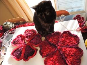 Tiia, the cat, helping?!