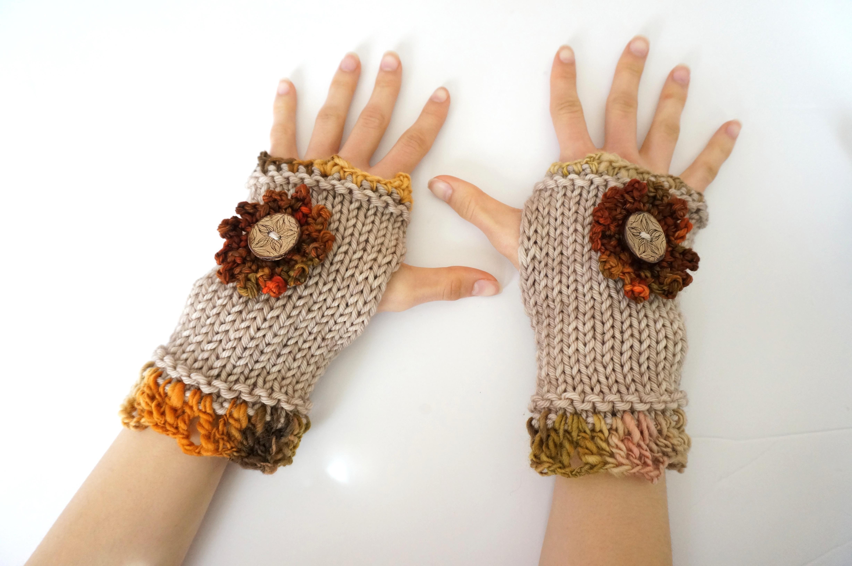 hand spun fingerless gloves beige orl
