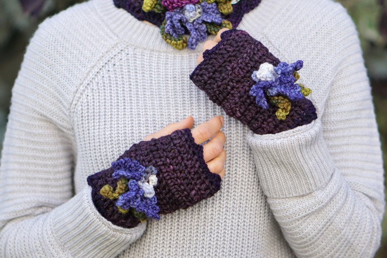 iris hand warmers purple1