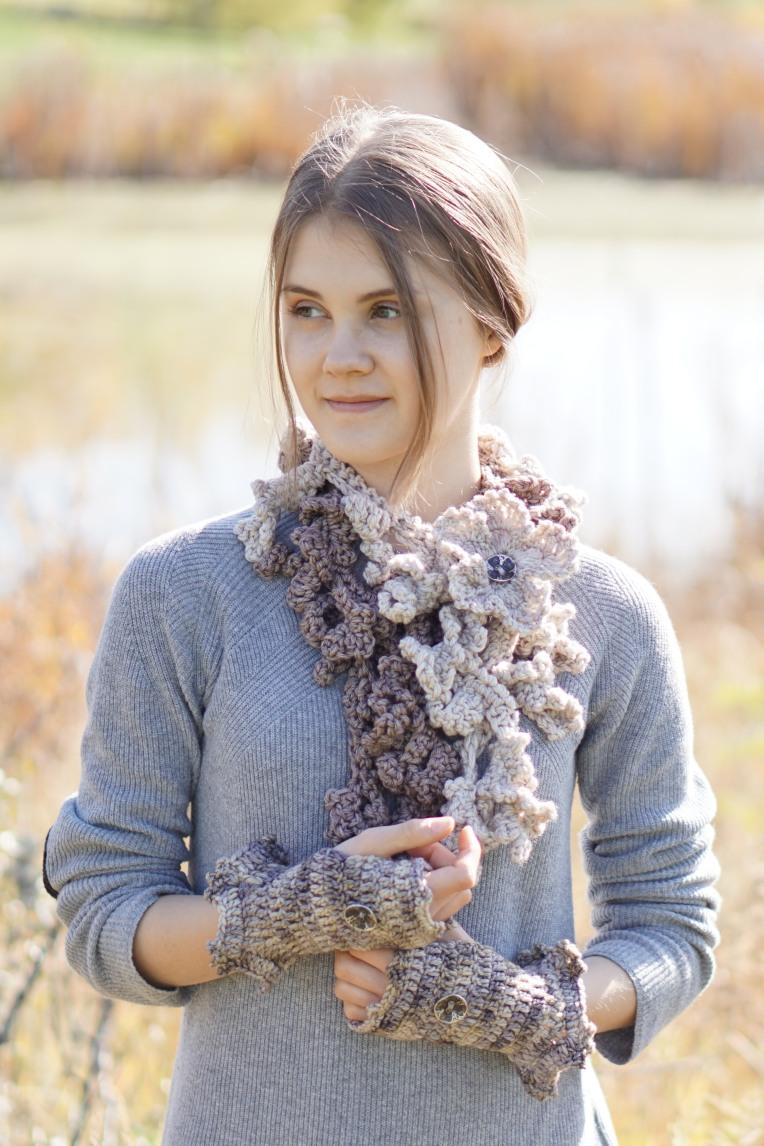 Floral Frieze scarf