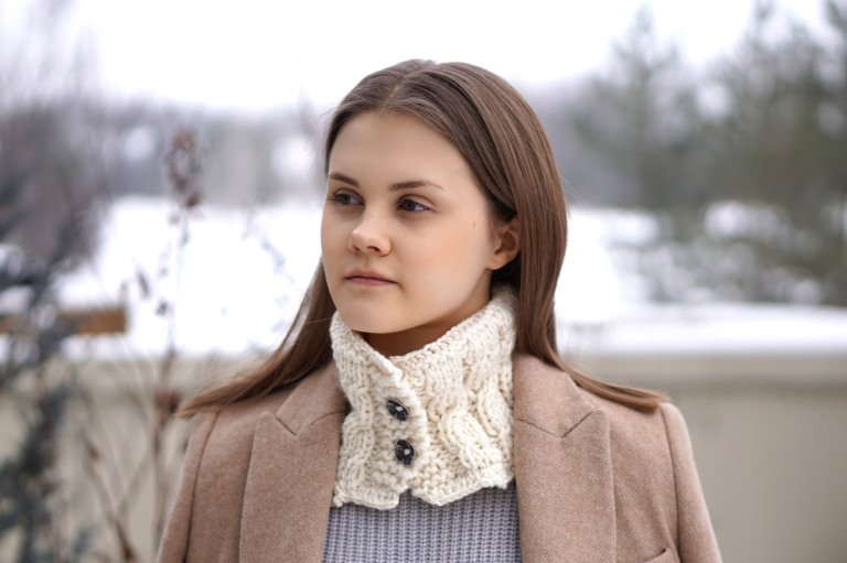 cozy cable collar scarf2