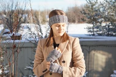 joy cable ear warmer hand warmer grey