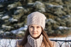 joy cable hat ivorry