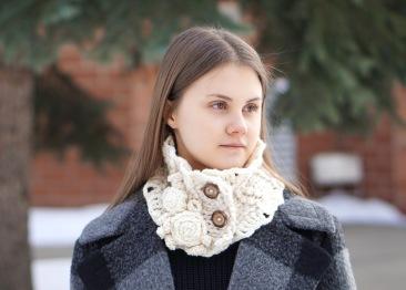 rose collar scarf chunky ivory3