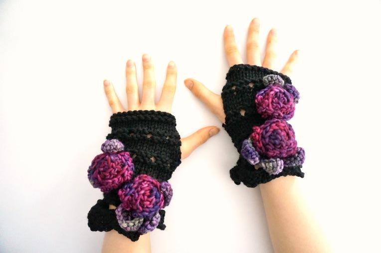 rose onie hand warmer black purple