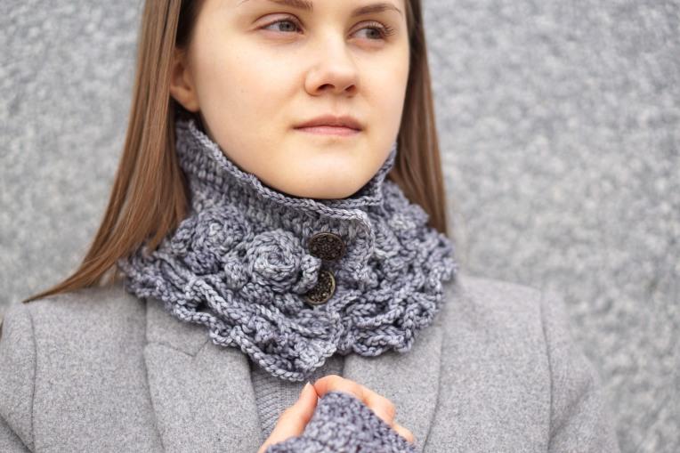 sophia rose collar scarf light gray