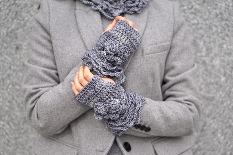 sophia rose elegant hand warmers lt gray