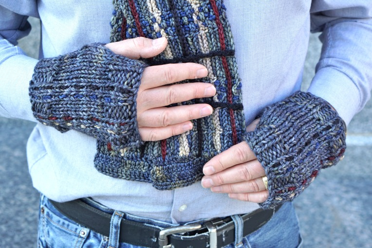 stripped men's hand warmers plaid gray6