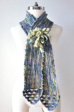 felted-rose-scarf-blue-green3