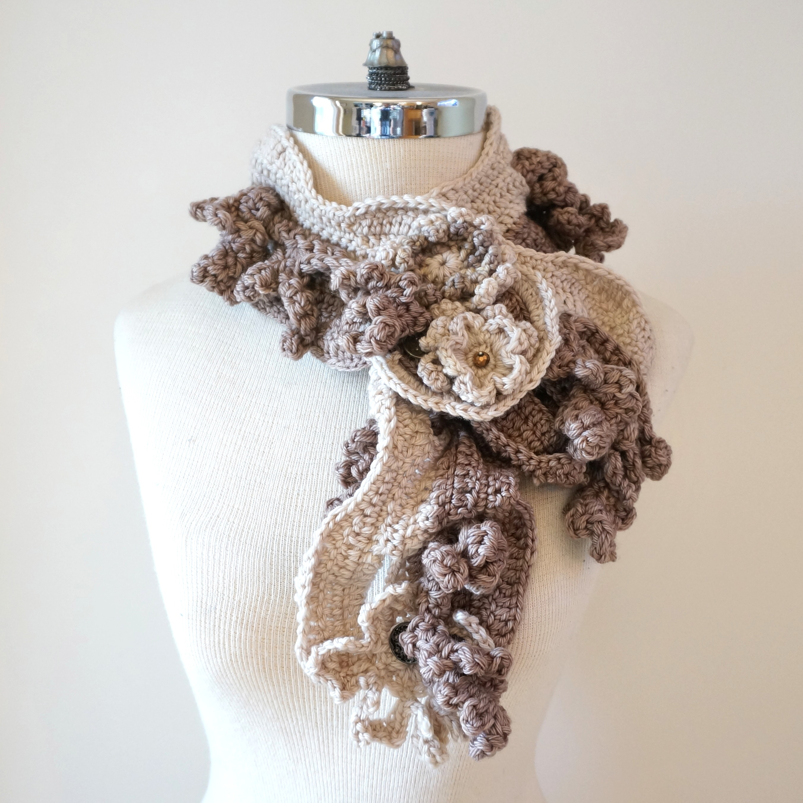 floral-scarf-architectural-design-ivory-beige-3
