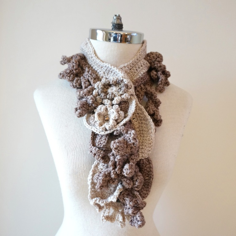 floral-scarf-architectural-design-ivory-beige5