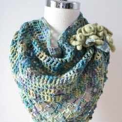 rose-triangle-scarf-lace