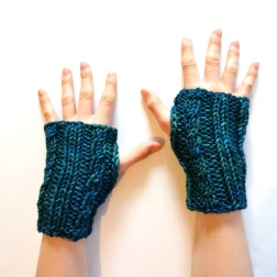 cable-hand-warmers-teal
