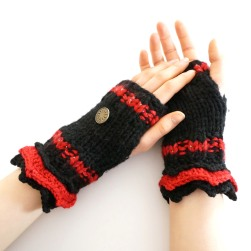 elegant-hand-warmers-black-red