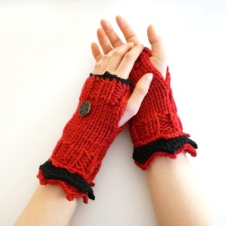 elegant-hand-warmers-red-black2