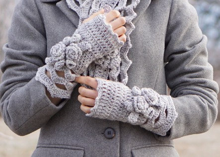 elegant-rose-long-scarf-snowfall-gray-hand-warmers1