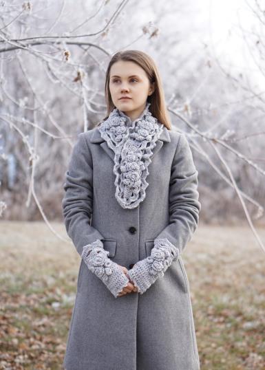 elegant-rose-long-scarf-snowfall-gray-hand-warmers11
