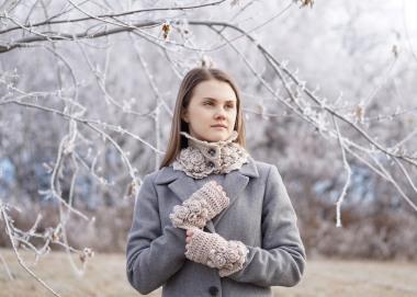 elegant-rose-scarf-hand-warmers-ivory