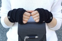 elle-hand-warmers-black