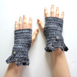 metallic-hand-warmers-dk-gray