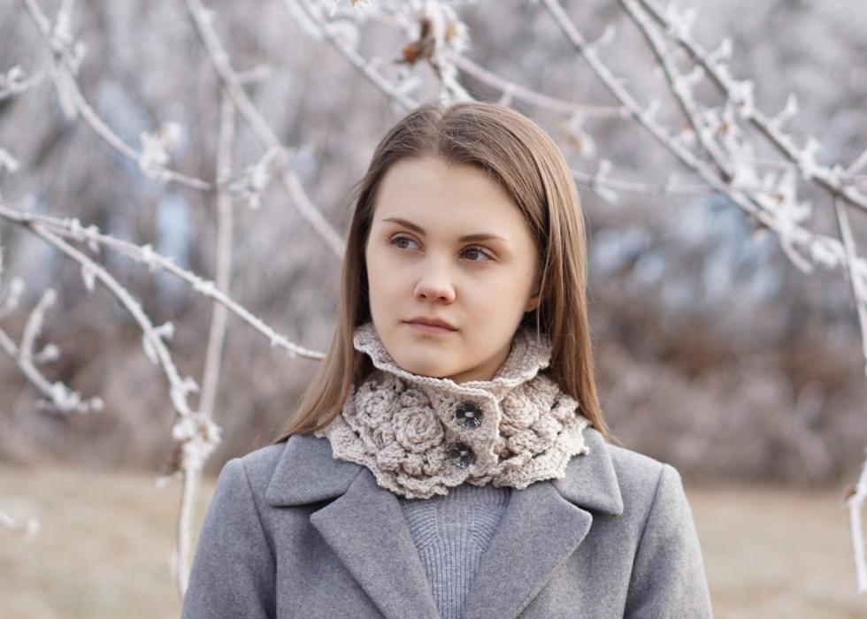 elegant-rose-scarf-hand-warmers-ivory4