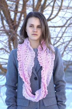 elegant-lace-chain-scarf-pink1