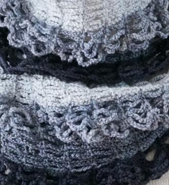 elegant-lace-scarf-fingerling-graphite4