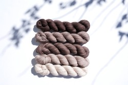 knitting-yarn-party-of-5-beige