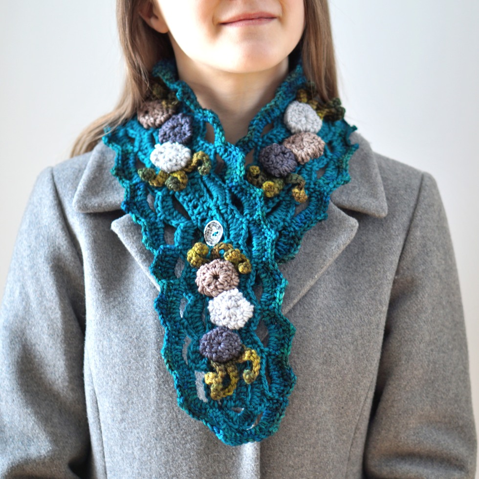 beach-stone-scarf-blue-3
