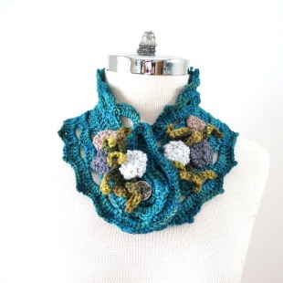 beach-stone-scarf-collar-blue-2