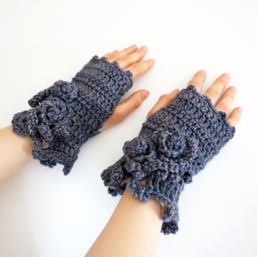 rose onie collection hand warmers dk gray
