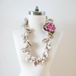 blossom necklace scarf
