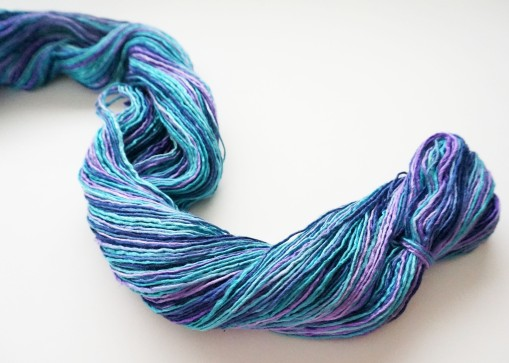 wormgoo yarn blue purple1