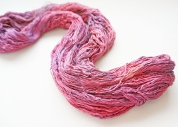 wormgoo yarn pink1